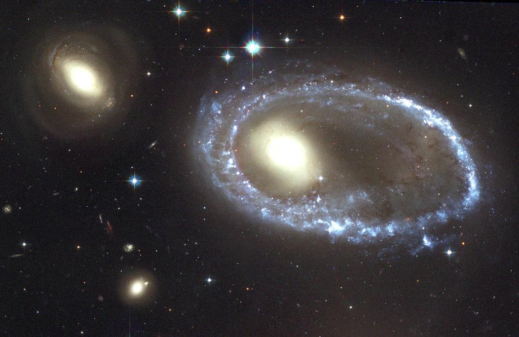 Галактики «нормальные» и «ненормальные»