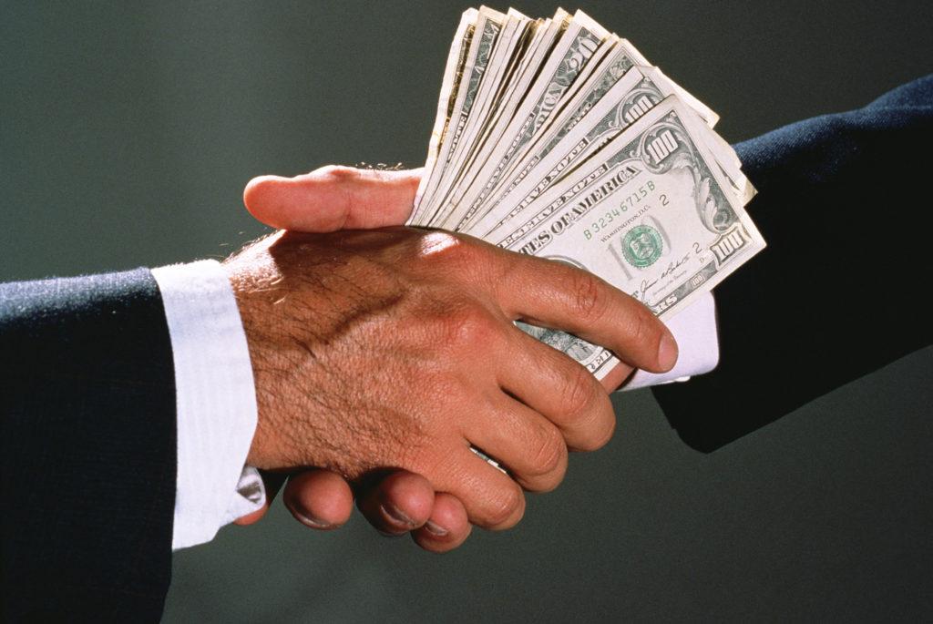 Коррупция бессмертна? Есть способ поправить дело…