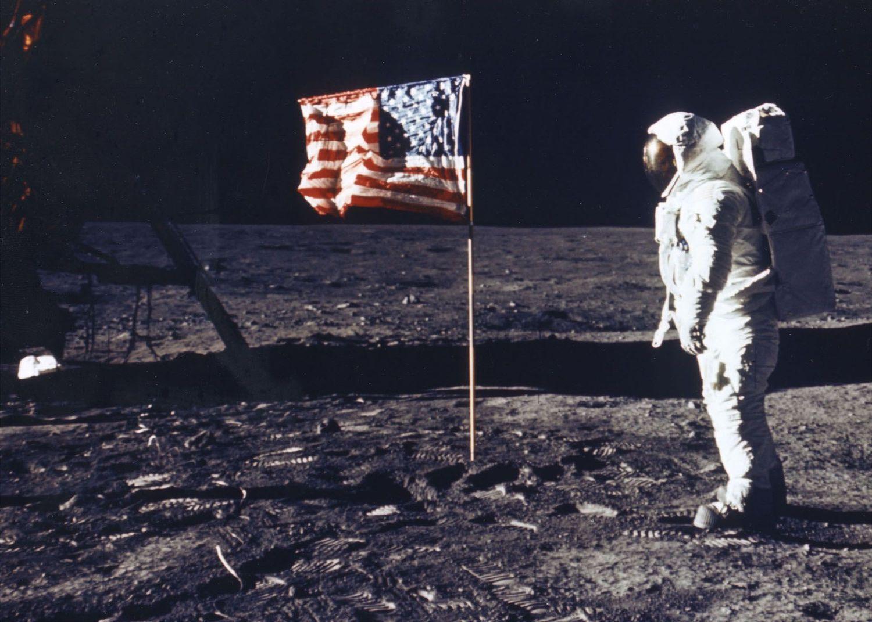 «Лунная афера»: Почему глобальный заговор не возможен