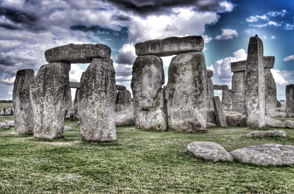 Мегалиты: С какой целью древние люди перемещали огромные камни
