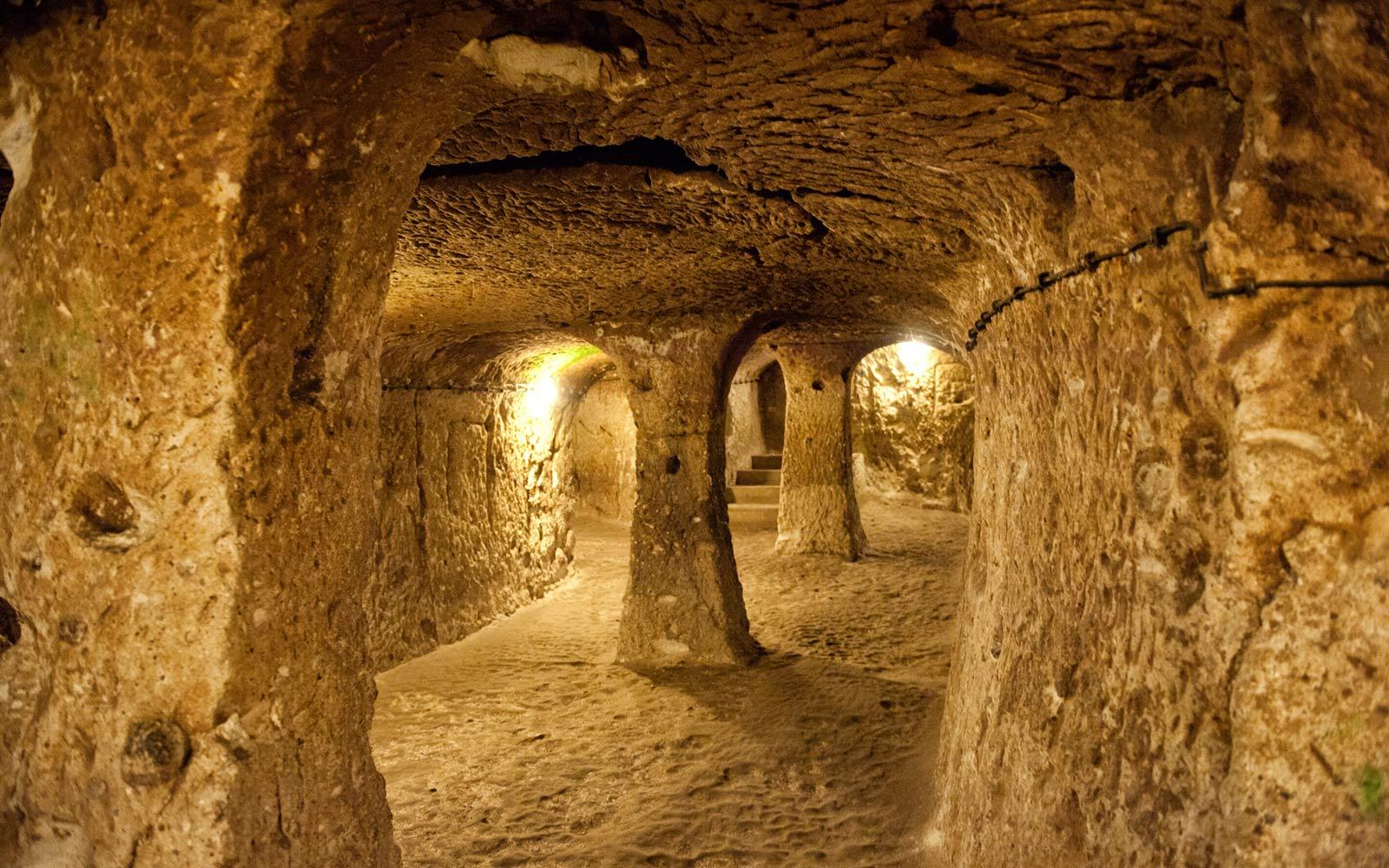 Древние тоннели, тянущиеся от Шотландии до Турции: Правда?